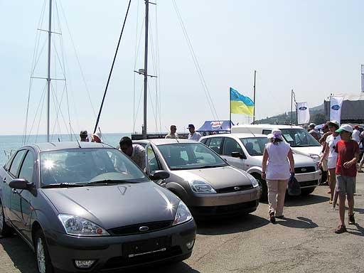 Выставка автомашин