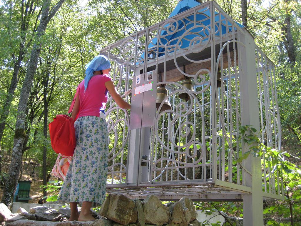 Источник св. Георгия Победоносца (Топловский монастырь ...: http://jalita.com/restandcure/georgy_topol.shtml